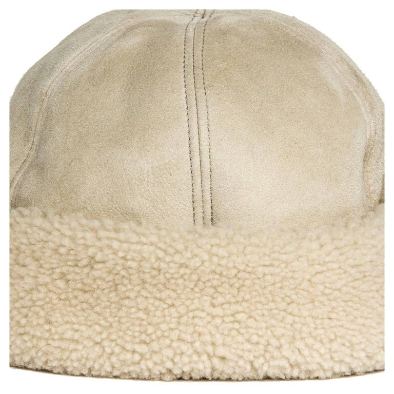 Prada Ivory Suede & Shearling Cap In New Never_worn Condition For Sale In Brooklyn, NY