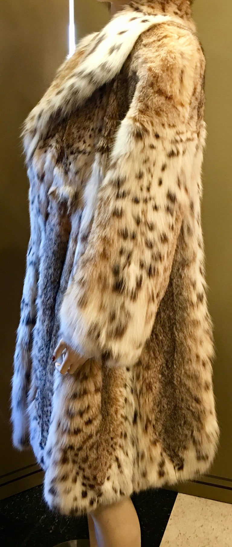 Brown Sexy Natural Spotted Lynx 3 Quarter Length Ultra Soft High Fashion Fur Coat For Sale