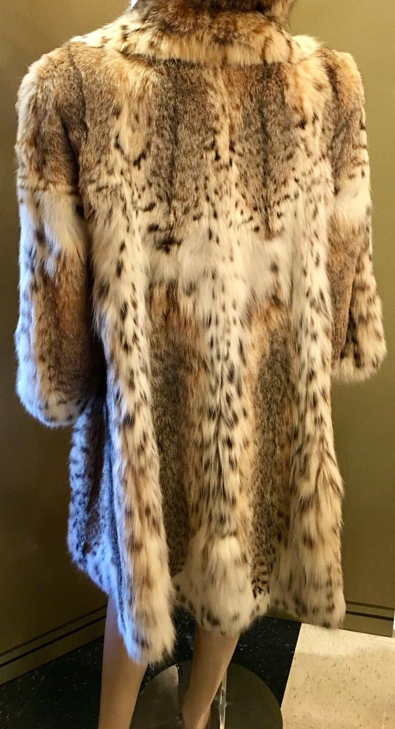 Sexy Natural Spotted Lynx 3 Quarter Length Ultra Soft High Fashion Fur Coat For Sale 1