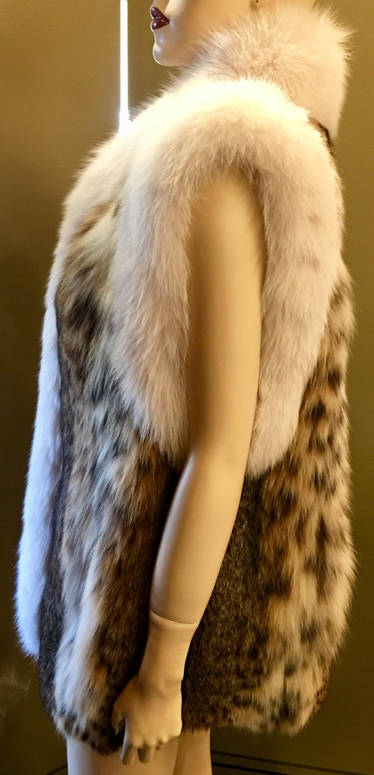 Women's Stunning Luxurious Spotted Lynx Fur Sleeveless Vest with White Fox Fur Trim  For Sale