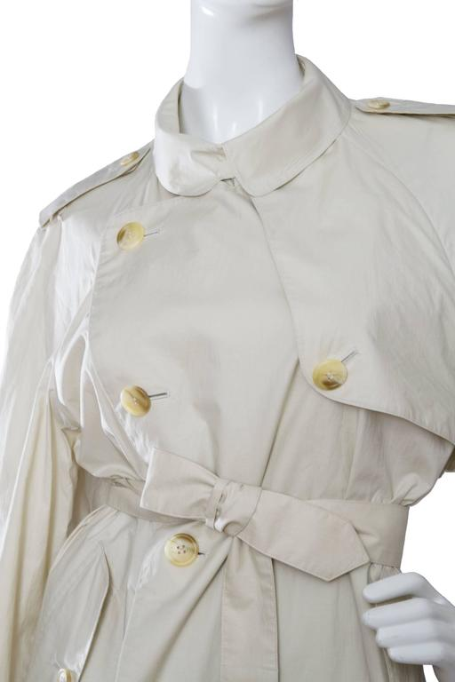 Women's 80s Burberry Off-white Cotton Double Breasted Trench Coat For Sale