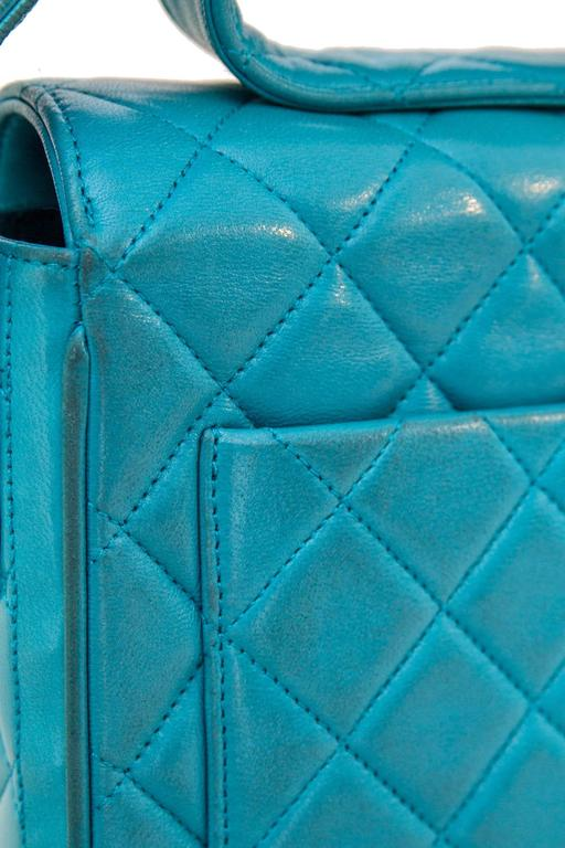 90s Turquoise Chanel Quilted Leather Shoulder Bag  For Sale 2