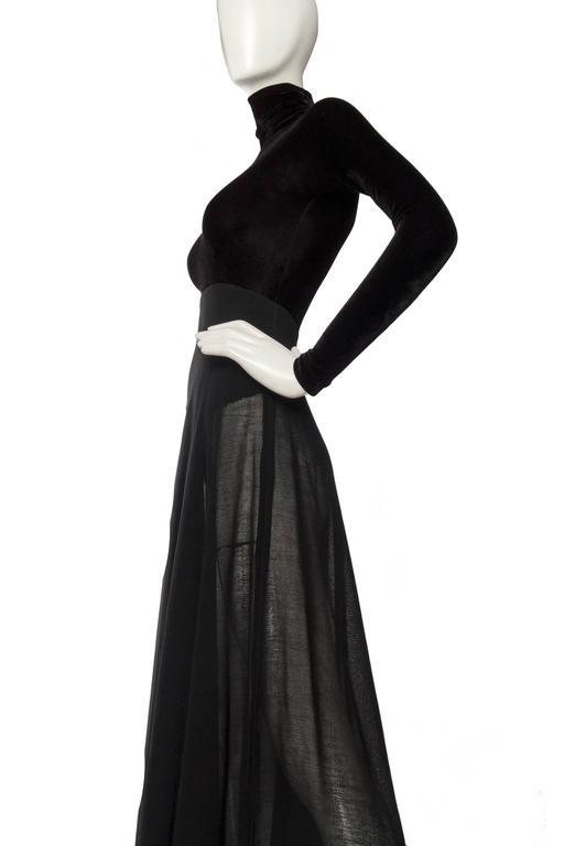 A 1990s Donna Karan Black Velvet Evening Gown  5