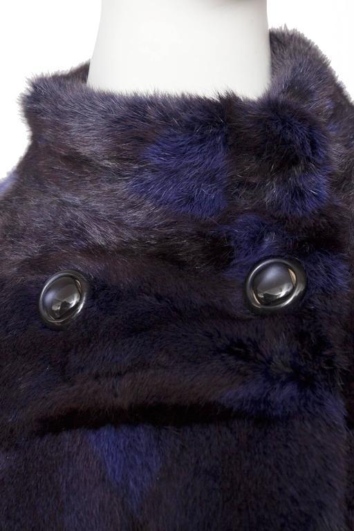 A 1980s Celine Dyed Mink Fur Coat In Good Condition For Sale In Copenhagen, DK