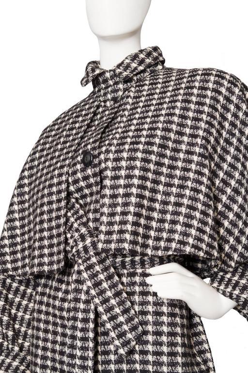 A 1980s Lanvin Capped Tartan Wool Coat  In Good Condition For Sale In Copenhagen, DK