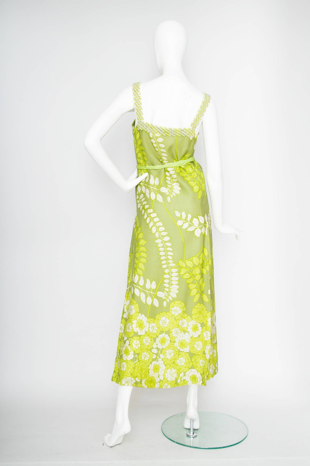 1960s Green Floral Handmade Silk Dress Size M In Good Condition For Sale In Copenhagen, DK
