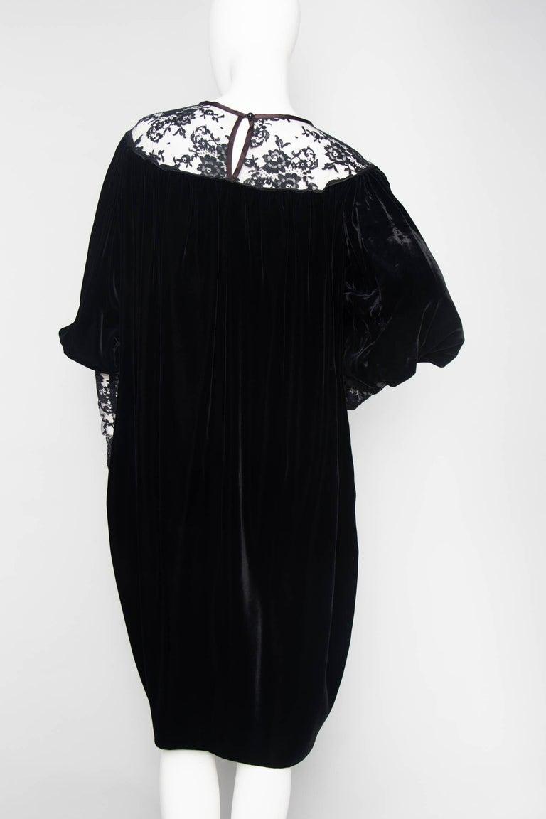 d791334c57c Yves Saint Laurent Rive Gauche vintage Black Velvet Dress With Lace Detail  In Good Condition For