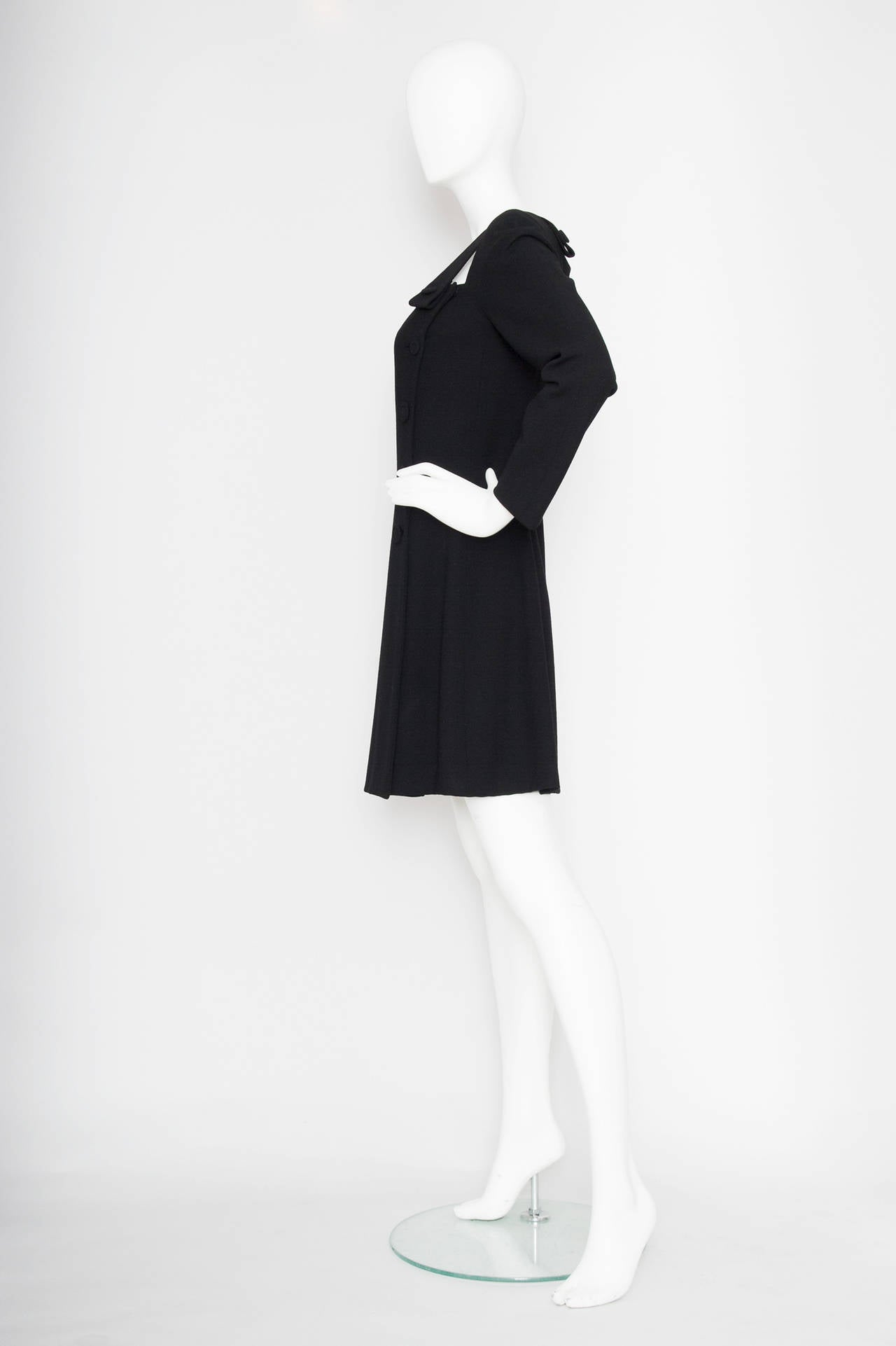 1980s Gianni Versace Couture Wool Little Black Dress In Excellent Condition For Sale In Copenhagen, DK