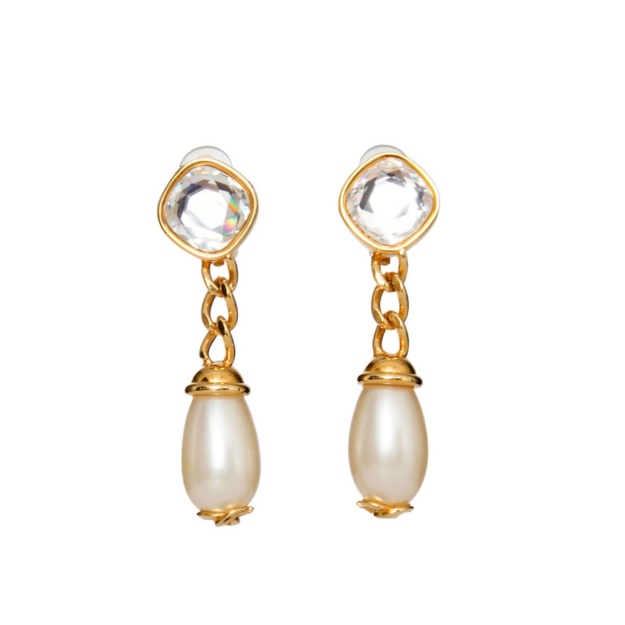 A Pair Of '97 Chanel Mother of Pearl Drop Earrings 1