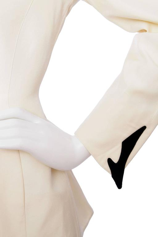 Dramatic 1980s Thierry Mugler Off-white Evening Blazer  For Sale 2