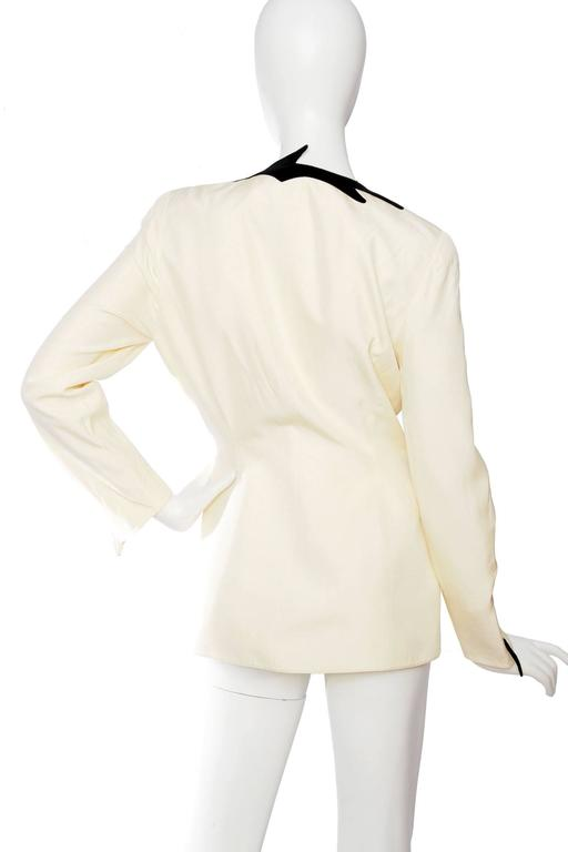 Dramatic 1980s Thierry Mugler Off-white Evening Blazer  In Fair Condition For Sale In Copenhagen, DK