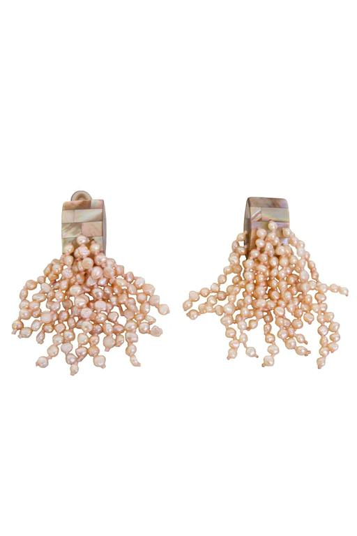 A Pair of 1980s Monies Pale-Pink Mother-of-Pearl Clip-On Earrings For Sale 5