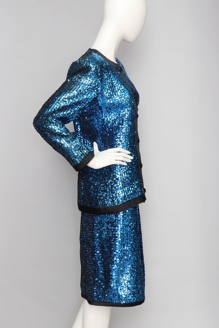 A 1980s Blue Sequin Embellished Yves Saint Laurent Rive Gauche Skirt Suit In Good Condition For Sale In Copenhagen, DK