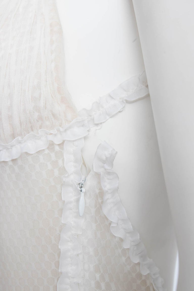 A Rare 1990s Vintage Gianni Versace Couture White Lace Dress For Sale 2