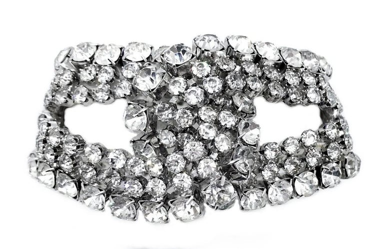 Circa 1960s William deLillo Large Loop Rhinestone Cocktail Bracelet In Good Condition For Sale In Long Beach, CA