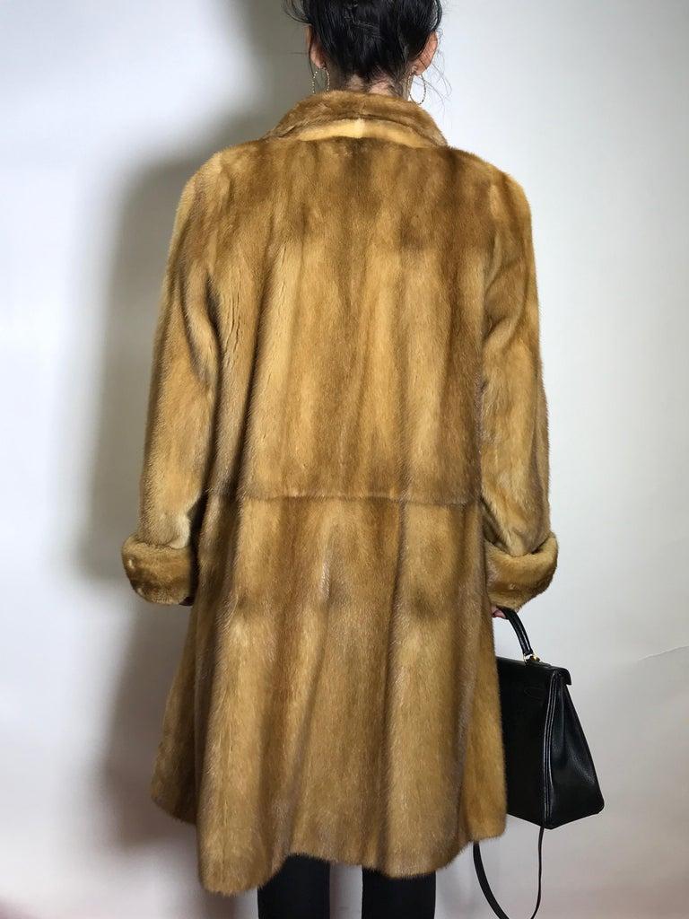 Women's  Saga mink silk fur 3/4 jacket / coat. Tan/beige. Gold mink. (9) For Sale