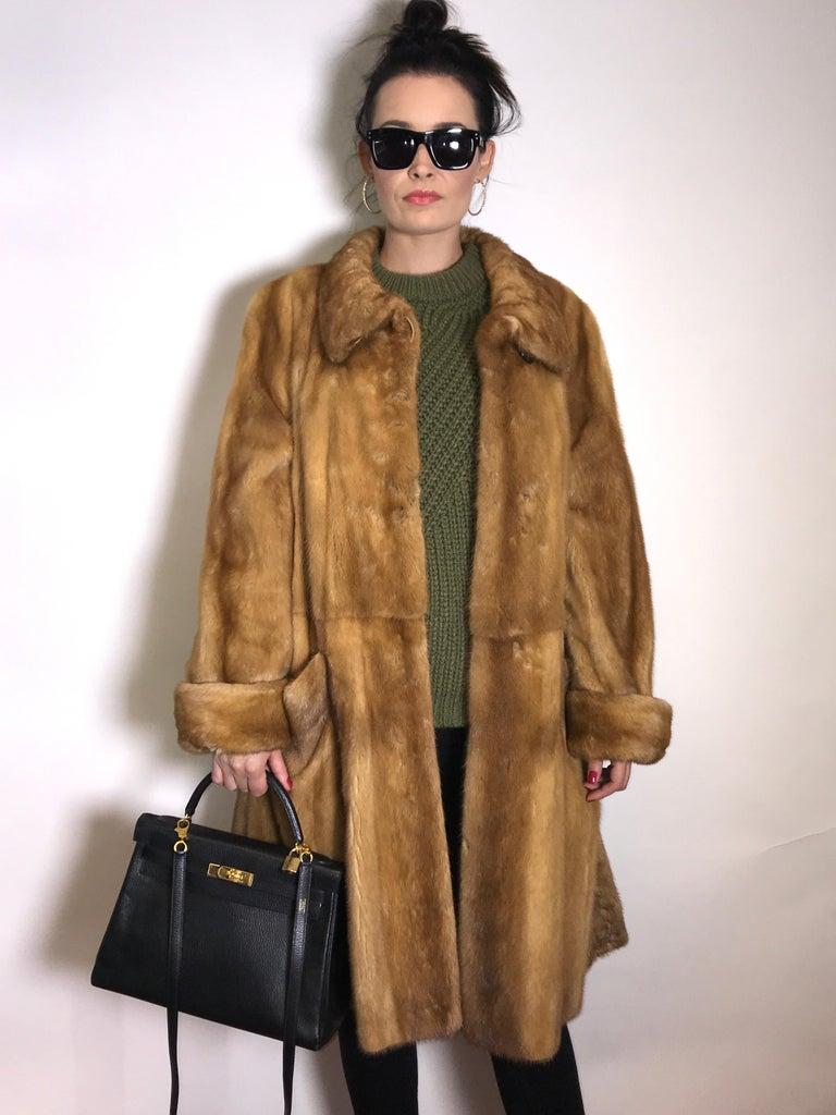 Saga mink silk fur 3/4 jacket / coat. Tan/beige. Gold mink. (9) For Sale 2