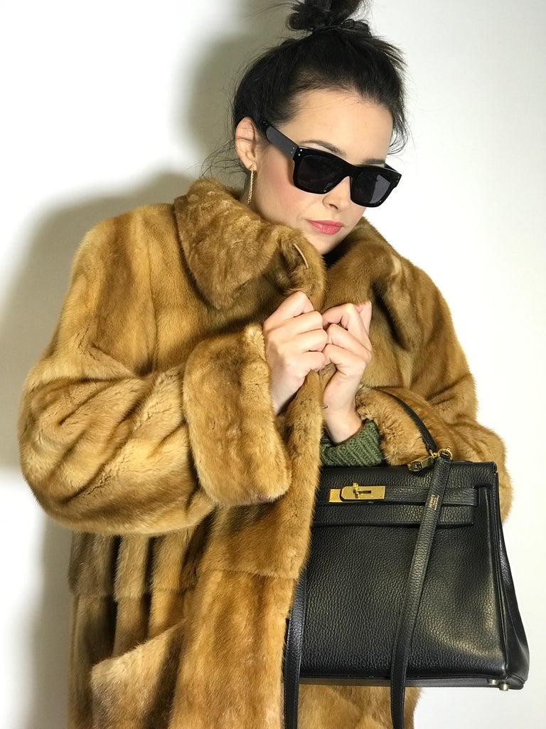 Saga mink silk fur 3/4 jacket / coat. Tan/beige. Gold mink. (9) For Sale 4