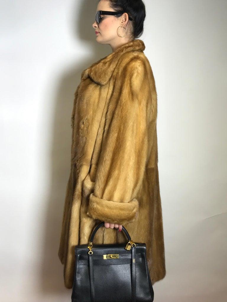 Saga mink silk fur 3/4 jacket / coat. Tan/beige. Gold mink. (9) In Excellent Condition For Sale In Berlin, DE