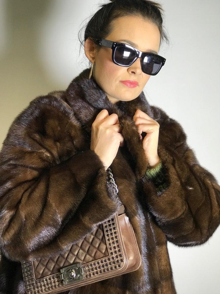 Long mink fur coat. Crosswise cut. Silk mink dark brown (17) For Sale 2
