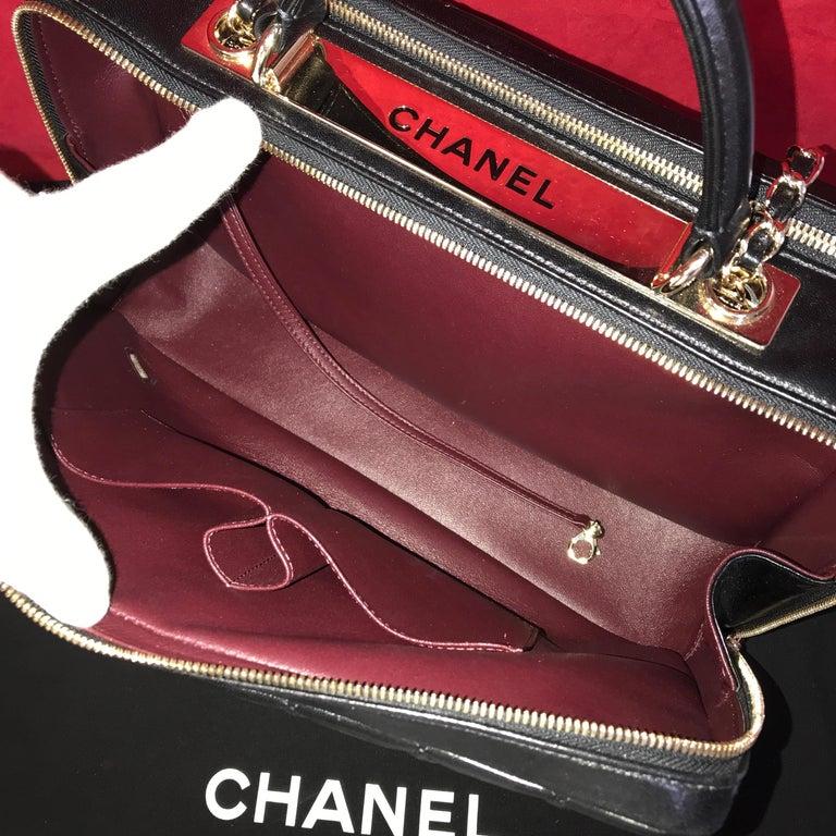 CHANEL CC bowling bag / shoulder bag black quilted lambskin 2016 For Sale 1