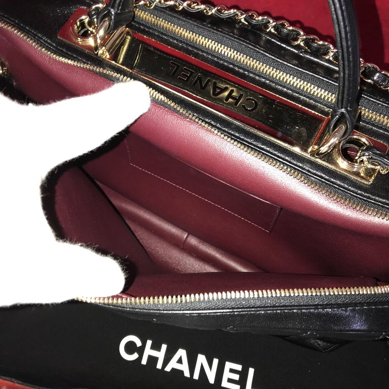 CHANEL CC bowling bag / shoulder bag black quilted lambskin 2016 For Sale 2