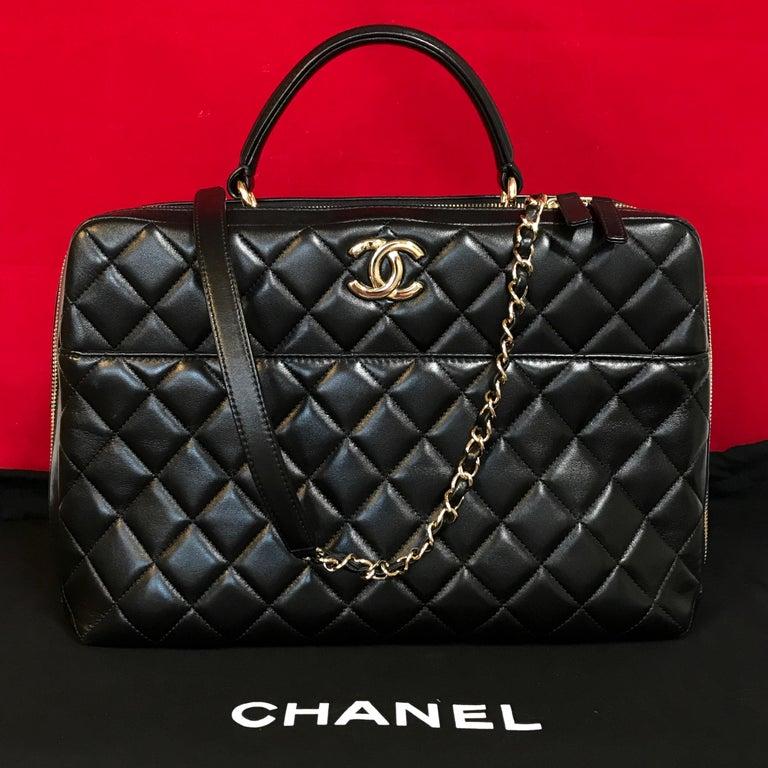 Black CHANEL CC bowling bag / shoulder bag black quilted lambskin 2016 For Sale