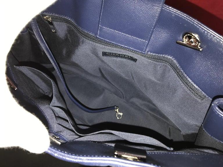 Large CHANEL CC Shopping Bag/Shopper chain chevron lambskin navy blue 2016 For Sale 3