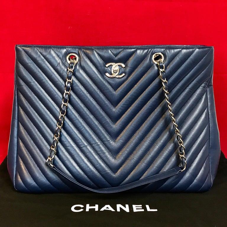 Black Large CHANEL CC Shopping Bag/Shopper chain chevron lambskin navy blue 2016 For Sale