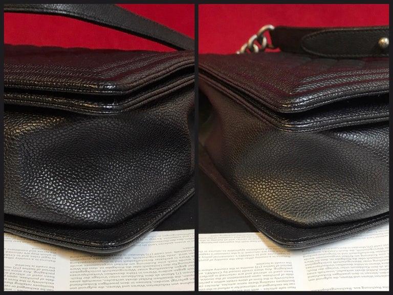 Women's or Men's CHANEL Large Boy shoulder bag black quilted caviar / calfskin 2016 For Sale