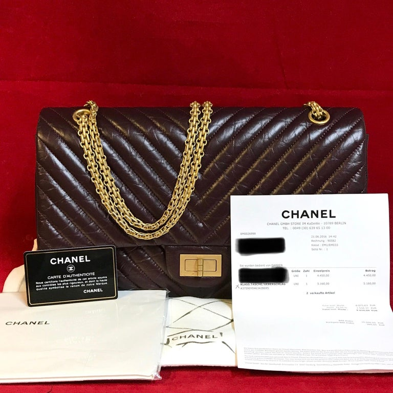 Limited CHANEL 2.55 double flap Bag made of bordeaux distressed chevron lambskin.  The bag is in a very good condition and has minimal signs of use.  The delivery includes: - Limited Chanel 2.55 double flap bag - Dustbag - warranty card - Original