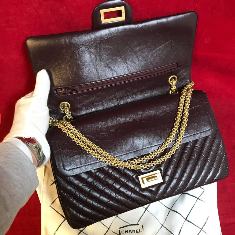 Limited CHANEL 2.55 shoulder bag bordeaux distressed chevron lambskin 2016 For Sale 3