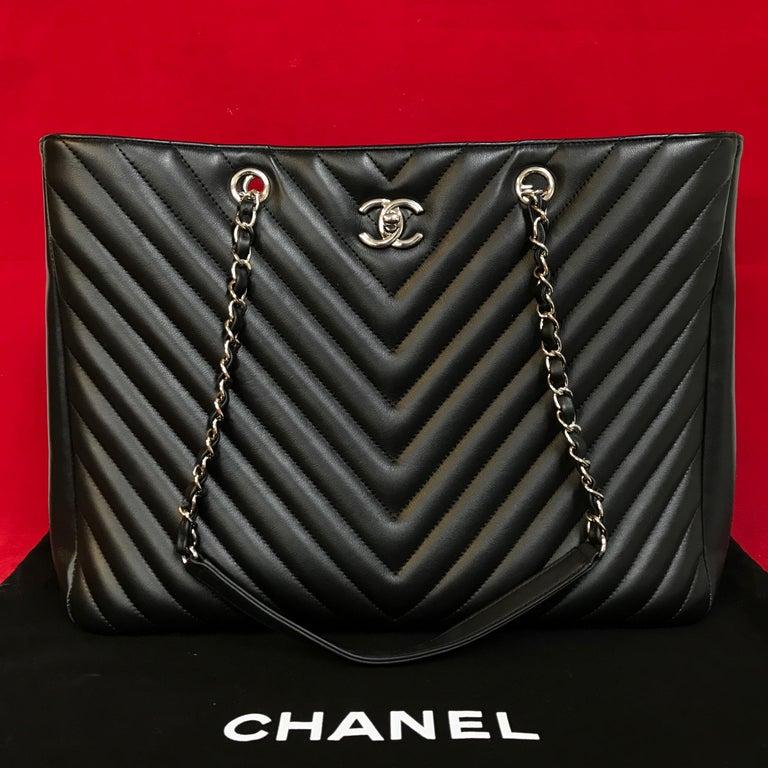 Black Large CHANEL CC Shopping Bag/Shopper chain chevron lambskin black 2016 For Sale