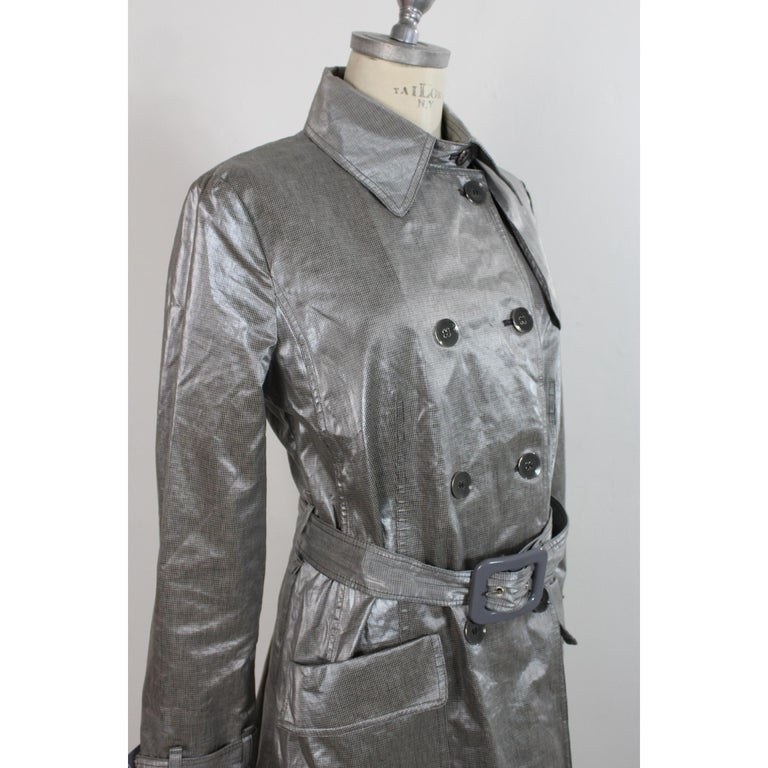 Giorgio Armani Trench Raincoat Glossy Effect Linen Check Vintage Gray, 1990s In Excellent Condition For Sale In Brindisi, Bt