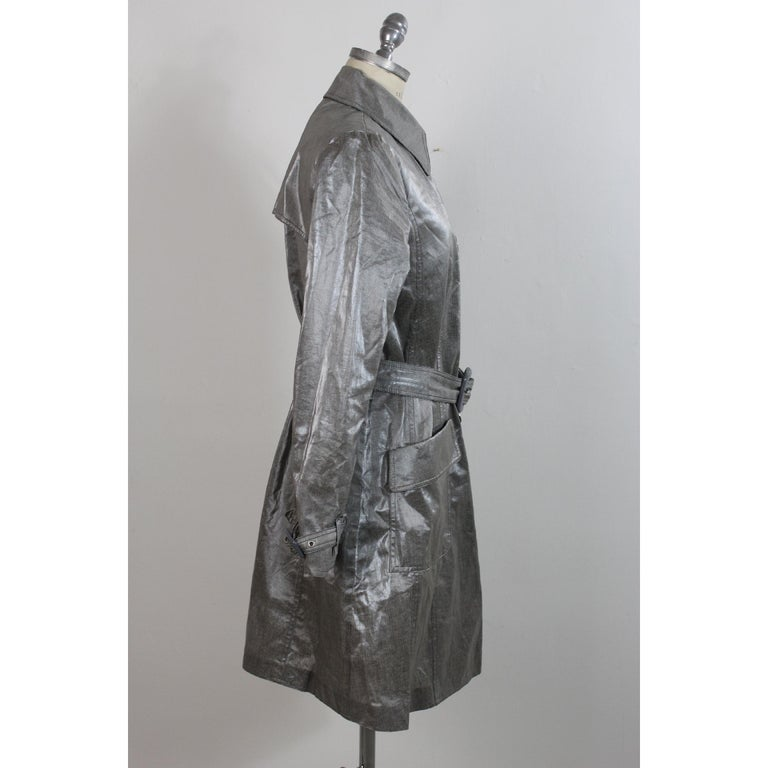Giorgio Armani Trench Raincoat Glossy Effect Linen Check Vintage Gray, 1990s For Sale 1