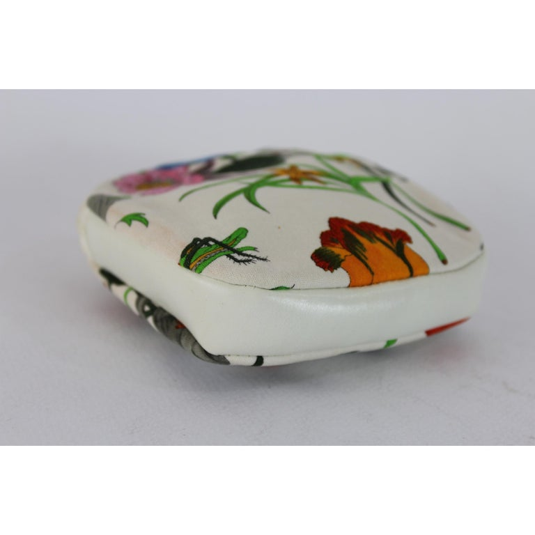 Gucci Flora Boutique Wallet Silk Leather Vintage White, 1970s In Good Condition For Sale In Brindisi, Bt