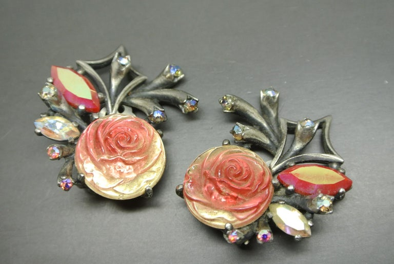 Schiaparelli 1950s Red glass Rose earrings In Fair Condition For Sale In London, GB