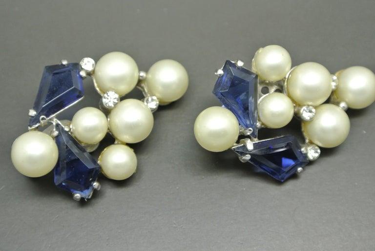 Schiaparelli 1950s blue glass faux pearl gold-tone earrings For Sale 1