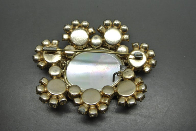 Countess Cissy Zoltowska Cis Pink Crystal Large mother of pearl Brooch In Fair Condition For Sale In London, GB