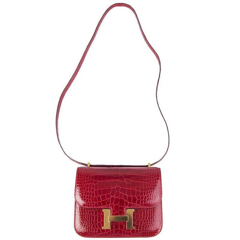 HERMES Braise red Shiny Alligator CONSTANCE 18 Shoulder Bag For Sale