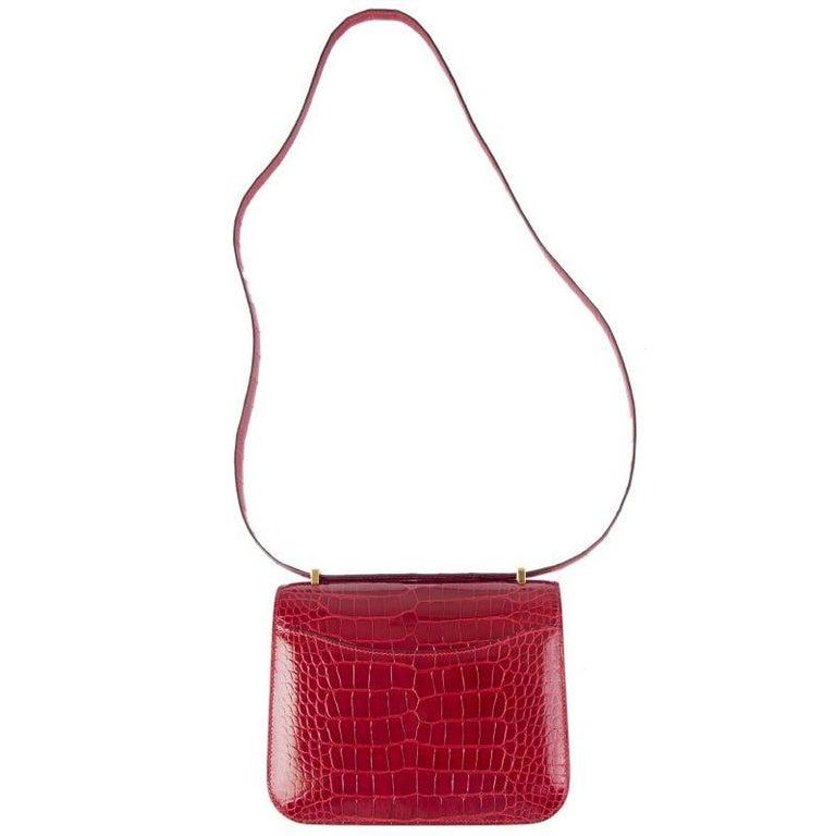 Red HERMES Braise red Shiny Alligator CONSTANCE 18 Shoulder Bag For Sale