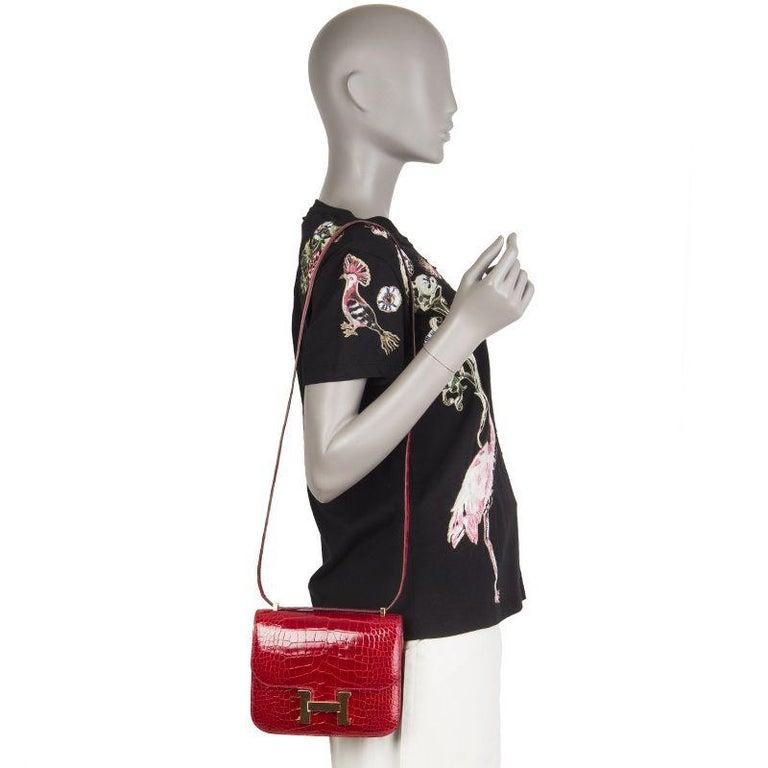 HERMES Braise red Shiny Alligator CONSTANCE 18 Shoulder Bag For Sale 5