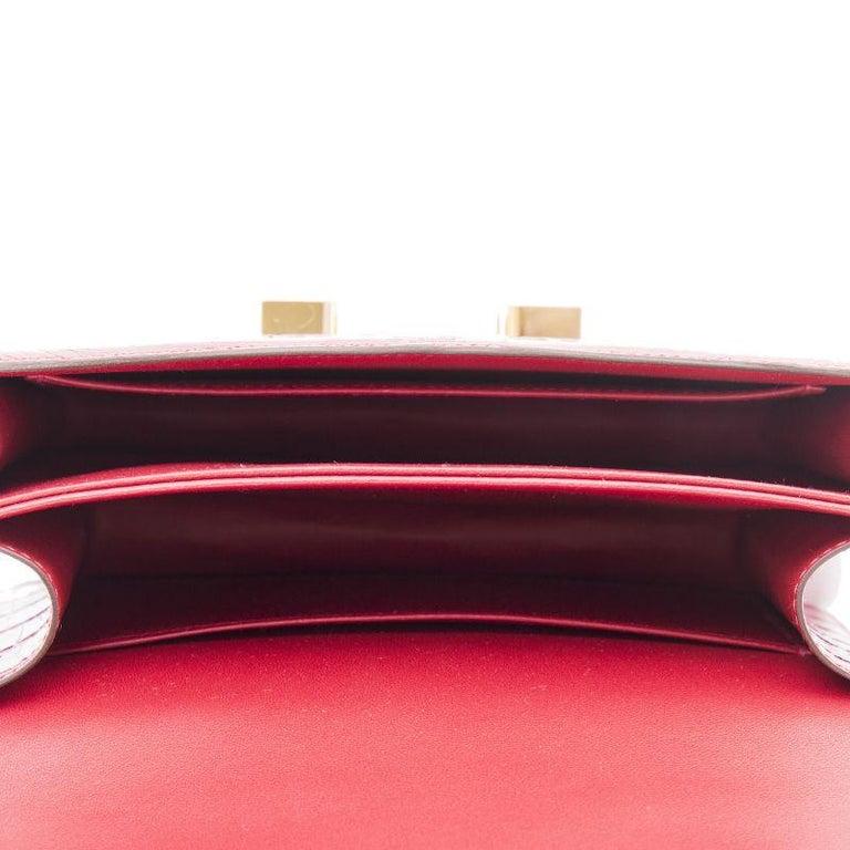 HERMES Braise red Shiny Alligator CONSTANCE 18 Shoulder Bag For Sale 1
