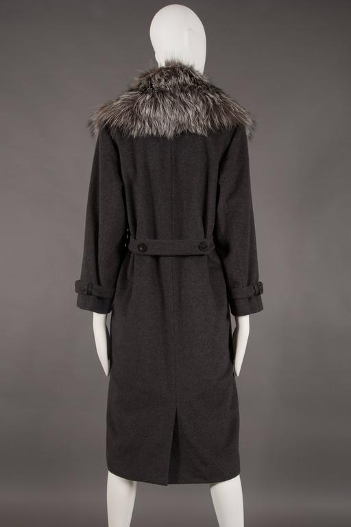 Yves Saint Laurent cashmere fall coat with fox fur collar, circa 1990 For Sale 2