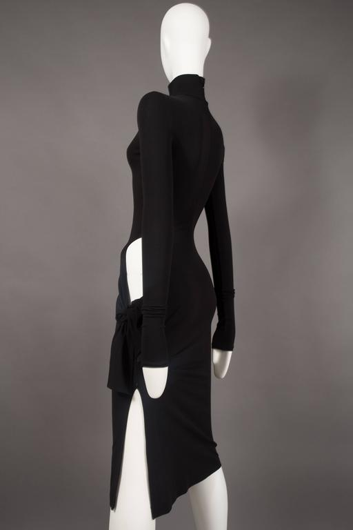 Dolce & Gabbana black bodycon evening dress with cut out, circa 2001 In Excellent Condition For Sale In London, GB