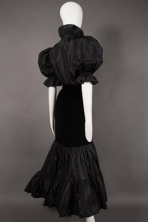 Yves Saint Laurent silk taffeta and velvet evening ensemble, circa 1977-78 For Sale 2