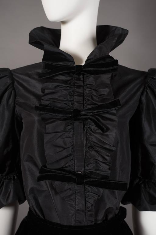 Yves Saint Laurent silk taffeta and velvet evening ensemble, circa 1977-78 For Sale 3
