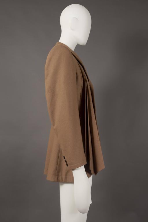 Men's Yohji Yamamoto POUR HOMME camel pleated blazer, circa 1984-87 For Sale