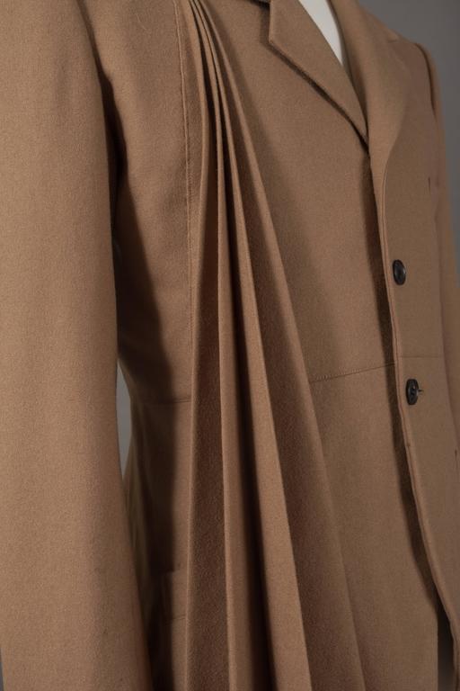 Yohji Yamamoto POUR HOMME camel pleated blazer, circa 1984-87 For Sale 1