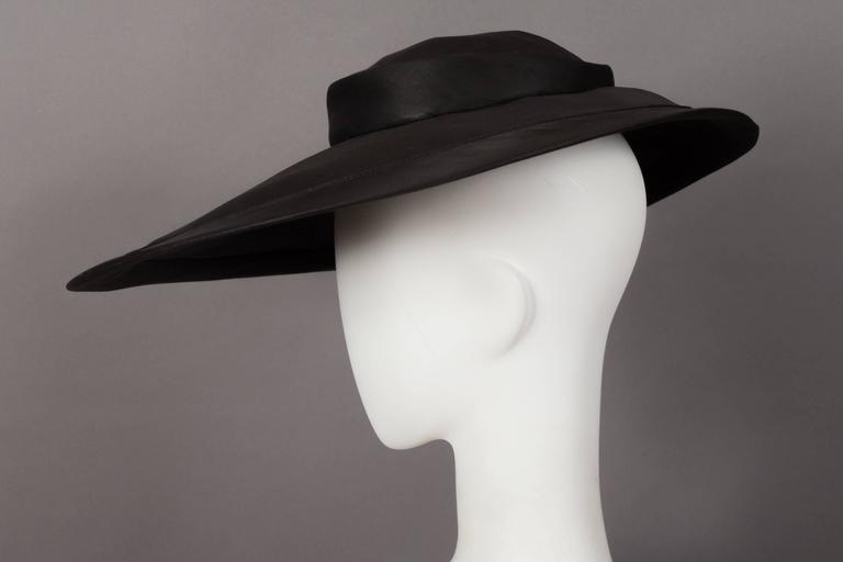 5e3772628d99 Christian Dior 'New Look' silk organza saucer hat, circa 1947 In Excellent  Condition